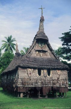 Tambanum village, East Sepik Province, Papua New Guinea, sacred meeting place called Haus Tambaran