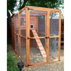 Ellis Outdoor Cat House and Cat Run