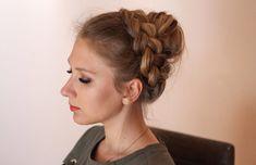 Dirndl-Frisuren fürs Oktoberfest und andere Anlässe Childrens Hairstyles, Girl Hairstyles, Braided Hairstyles, Communion Hairstyles, Braids, Hair Styles, Wordpress, Fashion, Fashion Styles