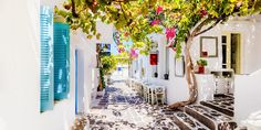 Greece Vacation, Greece Travel, Greece Trip, Greek Cafe, Greek Island Hopping, Nifty Crafts, Different Points Of View, Paros, Ways To Travel