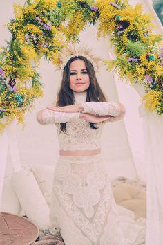 ·Apache Bride· STYLED SHOOT  Dress Yolan Cris Stylism | @dorothysblog More Than Events,  Photography | Natalia Ibarra  Make up and hair |  Nieves Timor Shoes and Coats | Zahir Madrid Headdresses | @cucullia, @Mimoki,  Location | Finca el Campillo  #WeddingDecor | More Than Events  Wooden features | Wood and light  Tipi | Tipi Land Factory #WeddingFlorals | @floresenelcolum #Crockery | @azarraluqui  #Weddingcakes | @thesweetestlab   #weddinginspiration #weddingideas #countrysideweddings