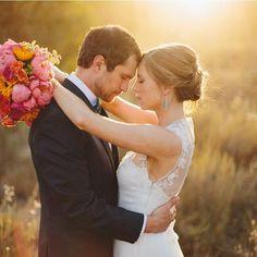 The sun is shining and love is all around in this super romantic couple shot, love it! Xoxo @weddingchicks PC: @mtmorgie #wedding #photography #sunshine #instafollow #love