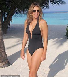 Elizabeth Hurley Bikini, Swimwear Model, Perfect Model, Cut Out Swimsuits, Black One Piece, V Cuts, Naomi Campbell, Black Swimsuit, Jennifer Lopez