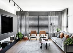 〚 Black and white apartment with warm accents in Tel Aviv (110 sqm) 〛 ◾ Photos ◾ Ideas ◾ Design #grey #Livingroom #open #modern #interior #design #homedecor #home #decor #interiordesign #idea #inspiration #cozy #living #space #style