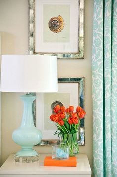 House of Turquoise: Turquoise & Orange with Tobi Fairley (love this little vignette! House Of Turquoise, Orange Et Turquoise, Turquoise Lamp, Blue Orange, Teal Lamp, Turquoise Accents, Orange Color, Green Lamp, Coral Orange