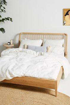 Home Decor White Oak Spindle Bed By Ethnicraft in Beige Size Q top/bed.Home Decor White Oak Spindle Bed By Ethnicraft in Beige Size Q top/bed Hanging Furniture, Bedroom Furniture, Home Furniture, Furniture Makeover, Oak Bedroom, White Bedroom, Furniture Sets, Solid Oak Beds, Bedroom Decor