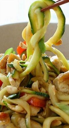 Kung Pao Chicken Zoodles | Noodles without the guilt!
