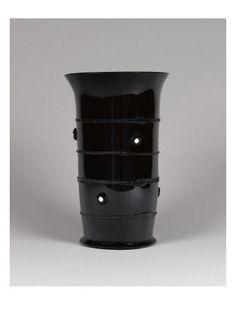 Grand gobelet en verre améthyste - Musée national de la Renaissance (Ecouen)