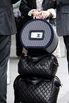 im in need of this Chanel luggage set <3