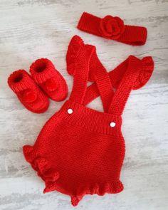 Hayran Kalacağınız 75 Örgü Bebek Hırka Yelek Bere Elbise Modeli Crochet Bebe, Crochet Dolls, Knit Crochet, Crochet Baby Costumes, Crochet Baby Clothes, Baby Sweater Knitting Pattern, Sweater Knitting Patterns, Baby Cardigan, Baby Kostüm