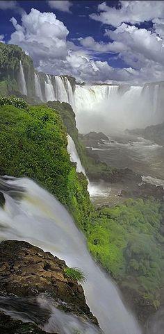 Panoramica desde Brasil, Cataratas de Iguazu - Iguazu Falls/memorable worth the trip Beautiful Waterfalls, Beautiful Landscapes, Places To Travel, Places To See, Places Around The World, Around The Worlds, Beautiful World, Beautiful Places, Amazing Places