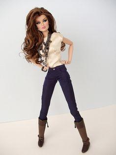 Voluminous doll hair