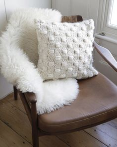 IMPOSSIBLE DREAMER CUSHION / PATTERN SET Scandi Style, Chunky Yarn, Textures Patterns, Interior Inspiration, Style Inspiration, Decoration, The Dreamers, Living Spaces, Living Room