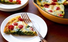 *Spinach & Tomato Frittata* - Per serving: Calories: Total Fat: Saturated Fat: Monounsaturated Fat: Cholesterol: Sodium: Carbohydrate: Dietary Fiber: Sugar: Protein: Egg Recipes, Cooking Recipes, Healthy Recipes, Easter Recipes, Healthy Dinners, Cooking Ideas, Free Recipes, Veggie Egg Cups, Myfitnesspal Recipes