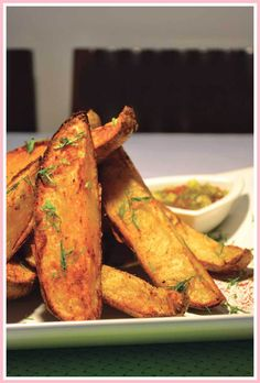 Fry Without the Fat! How to Use an Air Fryer - Crispy Potato Skin Wedges.by Taste Williams-Sonoma Air Fry Potatoes, Air Fryer Recipes Potatoes, Red Potato Recipes, Orange Recipes, Bacon Recipes, Mexican Recipes, Fish Recipes, Lunch Recipes, Breakfast Recipes