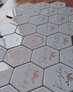Got inspired by another post on here about using backsplash tiles as place cards so decided to go for it ! DIY wedding place cards/ drink coasters/ w… - Winter Wedding Favors, Creative Wedding Favors, Inexpensive Wedding Favors, Elegant Wedding Favors, Wedding Favors For Guests, Personalized Wedding Favors, Wedding Favor Tags, Diy Wedding Place Cards, Handmade Wedding