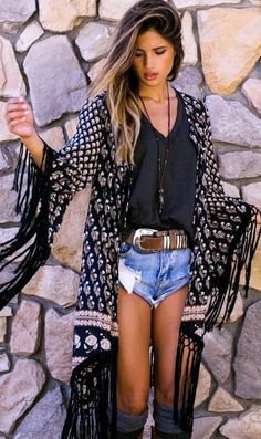 summer outfits Printed Fringe Kimono + Black Top + Ripped Denim Short