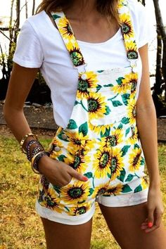 Buy S-XXL New Summer Casual Cute Overalls Sunflower Printed Shorts Jumpsuit Rompers In White and Yellow at Wish - Shopping Made Fun Teen Fashion, Fashion Outfits, Womens Fashion, Fashion Styles, Sexy Outfits, Dress Fashion, Casual Summer Outfits, Spring Outfits, Spring Dresses
