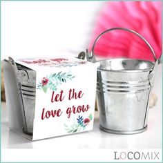 LET LOVE GROW: with these unique wedding favours! The Green Pail Wedding Favours hold your favourite flower seeds. Choose one of our many original designs and customize it online through our online design tool!