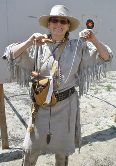 The 'Weaner' of the 1st Manzanita High Mtn RDV Bobbit Shoot~my hero Sharon! She not only shot her hot dog on the 1st shot, she shot the string for an encore on her 2nd shot!!! First place prize was a very nice neck knife & sheath :)