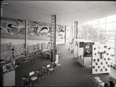 Vue d'ensemble du pavillon de l'Union des artistes modernes à l'exposition international de 1937
