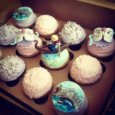 SweetiePiesBB : Some Venetian-themed cupcakes for a birthday girl being whisked to Venice for her 30th....how romantic!