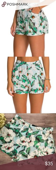 MINKPINK | Green & White Flower Shorts These are so stinkin' cute!  Green flowers on white shirts by MINKPINK. EUC. No rips, stains, tears or snags. MINKPINK Shorts