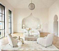 luminaire suspendu canapé blanc fauteuil blanc tapis de sol