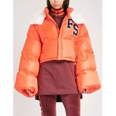 Fenty X Puma Hooded cropped shell-down jacket (30.240 RUB) ❤ liked on Polyvore featuring outerwear, jackets, down puffer jacket, red cropped jacket, down jacket, cropped jacket and hooded down jacket
