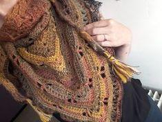 Au Crochet qui m'aille...: Mon châle libellule