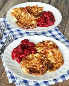 Nyttiga, supergoda plättar gjorda på Keso och ägg, helt utan mjöl. Goda och mättande till frukost, lunch eller mellis.