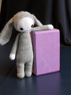 Bobo Bunny - Free Amigurumi Pattern - English Version here: http://meo-my-crochet.blogspot.com.es/2015/02/bobo-bunny-pattern.html