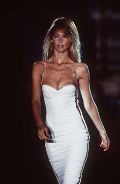 The Supermodels. 90s Fashion, Runway Fashion, Fashion Models, High Fashion, Vintage Fashion, Couture Fashion, Claudia Schiffer, Christy Turlington, Atelier Versace