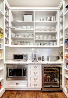 Kitchen pantry design - Awesome Simple and Creative Small Kitchen Remodel Ideas – Kitchen pantry design Clever Kitchen Storage, Kitchen Pantry Design, New Kitchen, Kitchen Dining, Kitchen Decor, Smart Kitchen, Kitchen Pantries, Kitchen Organization, Kitchen Cabinets