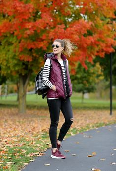 """In case you haven't heard about the athleisure look, I wanted to share it with you today. What is """"Athleisure""""? It's fashionable active wear. Legging Outfits, Vest Outfits, Athleisure Outfits, Mode Outfits, Athleisure Trend, Athleisure Fashion, Casual Outfits, Cute Spring Outfits, Winter Fashion Outfits"""