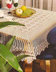 Romans z szydełkiem: Obrus na kwadratowy stół