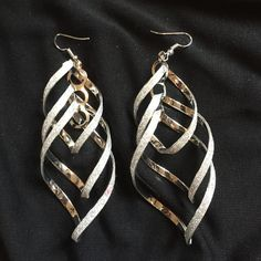 Super Cute Silver Dangly Earrings these earrings are so cute the can dress up any outfit! Jewelry Earrings