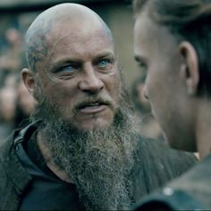 """@HistoryVikings """"Who wants to be King?"""" ~ #Ragnar as he thrusts his sword violently into the cold hard ground; It's a #Vikings marathon day"""