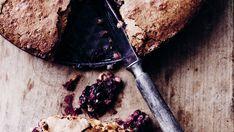 Mandelkage med brombær og hvid chokolade - Meyers