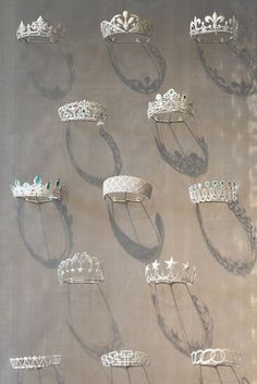 A collection of 150 maquette of crowns, tiaras, and hair jewelry that was made in the history of Chaumet. More than tiaras have been made by Chaumet since Royal Crowns, Royal Tiaras, Tiaras And Crowns, Jewellery Sketches, Jewelry Drawing, Royal Jewelry, Vintage Jewelry, Hair Jewelry, Fine Jewelry