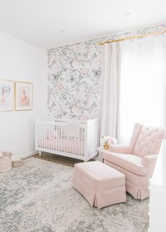 A Blush and Gold Nursery Reveal with Serious Glam – Project Nursery We are Gushing over this Blush and Gold Floral Nursery by Little Crown Interiors Blush Nursery, Floral Nursery, Nursery Room, Nursery Decor, Baby Girl Nursery Wallpaper, Gold Baby Nursery, Rose Nursery, Chic Nursery, Rustic Nursery