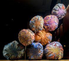 Sheila Hicks, Soft Stones, Parcour St Germain L. Textile Sculpture, Textile Fiber Art, Textile Artists, Sculpture Art, Fibre Art, Sheila Hicks, Gifts For Photographers, Creative Thinking, Fabric Beads