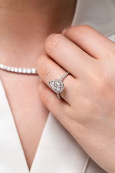 4.60Ct Pear Sparkle Moissanite Attractive Engagement Ring 18K White Gold Finish
