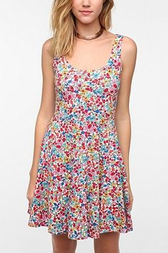 I like this print... so excited for summer