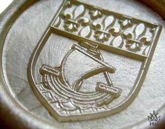 Sellos de lacre heraldicos grabados con varias profundidades y gran nivel de detalle.