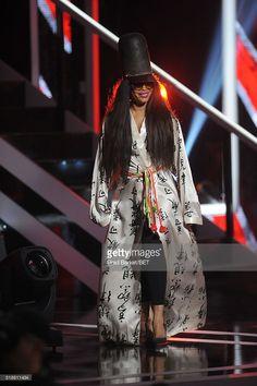 Singer Erykah Badu speaks onstage at Black Girls Rock! 2016 on April 1, 2016 in Newark City.