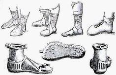 La vestimenta en la Antigua Roma. La túnica era la vestimenta de los más pobres, un pieza de lana o lino atada a la cintura por un cinto. Como calzado, los romanos usaban sandalias. Las sandalias romanas consistían en piezas de cuero que mantenían buena parte de los pies al aire. Las sandalias militares tenían la particularidad de que llevaban resistentes clavos en la suela.