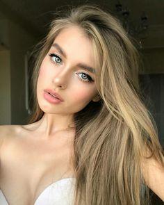7 Makeup Tricks to Make Your Blue Eyes Pop . Blonde Makeup, Hair Makeup, Eye Makeup, Beauty Make-up, Beauty Women, Hair Beauty, Beauty Girls, Blue Eyes Pop, Russian Beauty