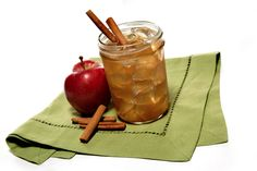 OLE 'SHINEY APPLE Ole Smoky Apple Pie Moonshine, Cointreau orange liqueur, fresh apple juice, fig preserves, dash of cinnamon #SoEatingThis #Houlihans