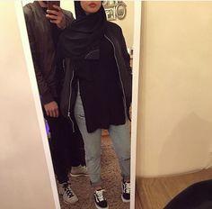 . Muslim Fashion, Modest Fashion, Hijab Fashion, Cute Muslim Couples, Cute Couples, School Fashion, Fashion 2020, Habiba Da Silva, Mode Simple
